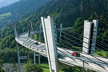Sunniberg Bridge by Christian Menn, near Klosters, Switzerland. Photo by Christof Sonderegger, CH-9424 Rheineck.